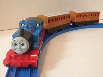 Trackmaster Train THOMAS + ANNIE & CLARABEL PASSENGER COACHES CARS!