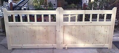 Heavy Duty Cottage Style Handmade Wooden Drive gates 8ft x 4ft