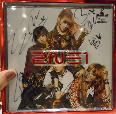 2NE1 4-member Autographed with pen mini 2nd Album  CD+23 Photocards new Korean