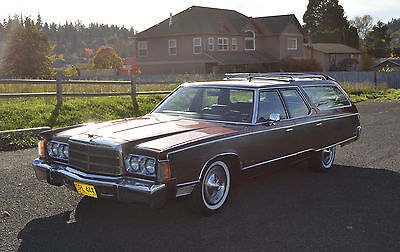 1977 Chrysler Town & Country 9 Passenger  1977 Chrysler Town & Country Station Wagon Only 68k Miles and Beautiful