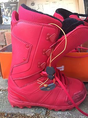 ThirtyTwo Lashed Womens Snowboard Boots - Red - Size 9 - NEVER USED OR WORN