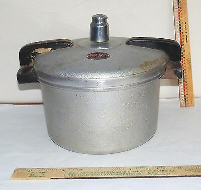 Vintage 4 quart CO-OP Cooker with Instructiions