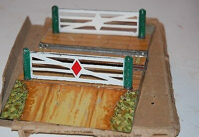 Hornby Series O Gauge  Level Crossing Mo Boxed