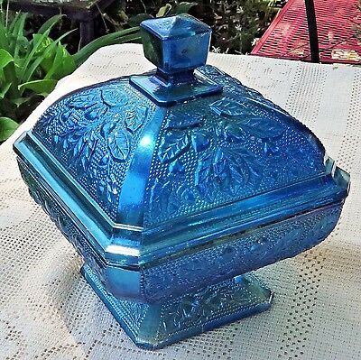 VINTAGE MID-20th CENTURY INDIANA GLASS BLUE CARNIVAL GLASS LIDDED CANDY DISH