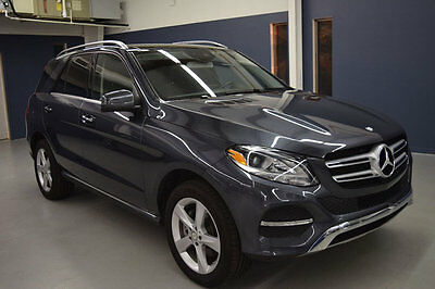 2016 Mercedes-Benz GLE 4MATIC 4dr GLE350 2016 Mercedes-Benz GLE350 4MATIC Pano Roof Factory Remote Start Factory Warranty