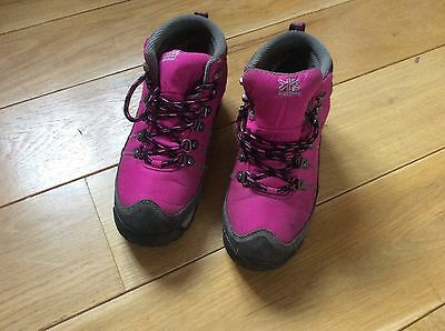 girls walking boots size 5