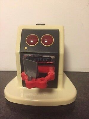 1985 Tomy Dust Bot Robot Vacuum with Dustpan- All functions work!!