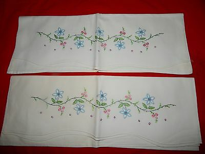 One Pair Vintage Hand Embroidered Scalloped Edge Heavy Cotton Pillowcases Floral