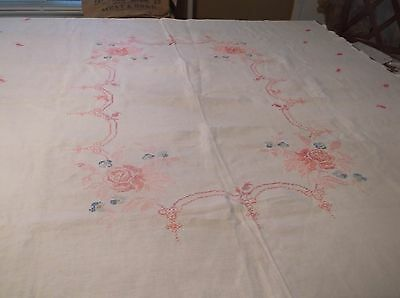 """vtg linen hand embroidered roses table cloth, scalloped edges,72 by 56"""""""