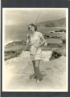 Olivia De Havilland Goes Fishing - Exc Cond 1935 - Captain Blood - With Flynn