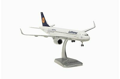 Hogan Wings Lufthansa Airbus A320 Neo with Sharklet 1:200 Reg. D-AINA (LH38)