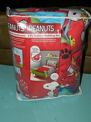 Peanuts Snoopy 4 Pc Toddler Bedding Set/ Reversible Quilted Sheets New