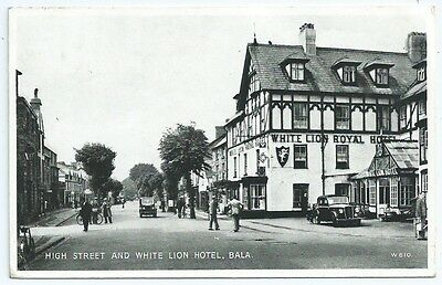 Vintage Postcard. High Street & White Lion Hotel, Bala. Used 1951.   Ref:67401.
