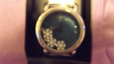 winter floating snowflake watch/new.