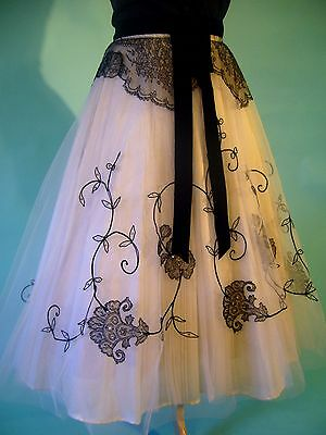 STUNNING 1950s Tulle Black Rhinestone Chantilly Lace Illusion Full Circle Skirt