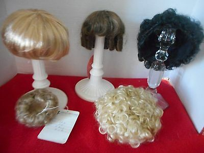 5 Doll Wigs,  Different Sizes