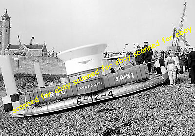 Photo - Hovercraft SRN1, Dover, Kent, first channel crossing by hovercraft, 1959