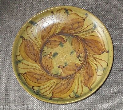 Vintage Pru Green Welsh Gwili Studio Pottery Deep Plate: 15cm Diameter