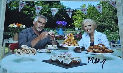 """Mary Berry Signed 12"""" x 8"""" Colour Photo The Great British Bake Off BBC"""