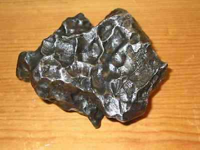 EXCEPTIONAL, 1020g  SIKHOTE ALIN IRON METEORITE COVERED IN THUMBPRINTS! AAA+