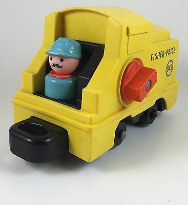 Vintage Fisher Price Little People Railroad Locomotive 943 Conductor Lever works