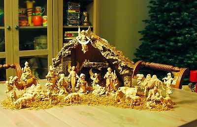 "Vintage Fontanini 5"" Nativity Figures & Italian Stable ~ Classic Christmas"