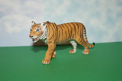 Tiger Male Adult by Schleich  2007