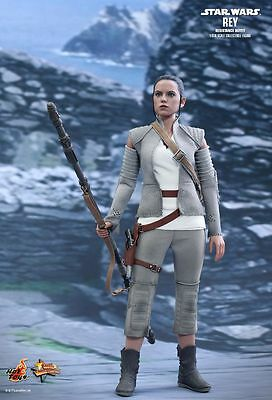 STAR WARS - Rey Resistance Outfit 1/6th Scale Action Figure (Hot Toys) #NEW