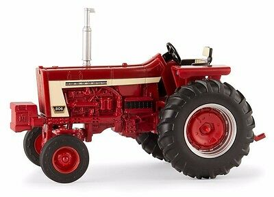 Farmall 806 Wide Front Series Tractor Scale 1/32 Diecast Ertl New