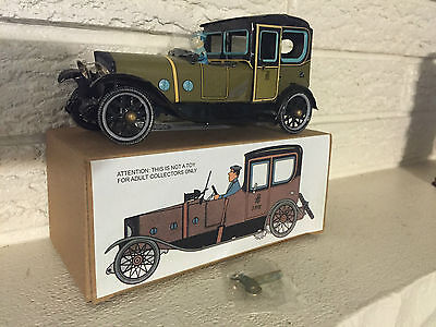 Green Saloon Touring Car Tin Litho Toy Clockwork Mechanism  DL