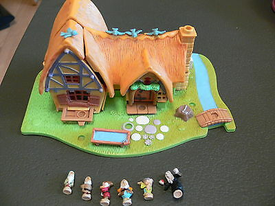 Working Vintage 1995 Polly Pocket - Snow White Playset - 6 Figures Incl.