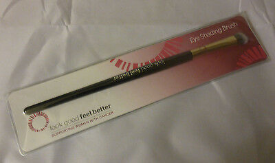 New Look Good Feel Better Eye Shading Brush To Apply + Blend Eyeshadow