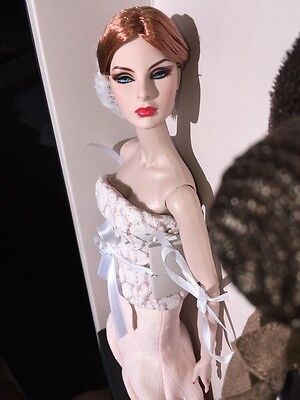 High Visibility Agnes Von Weiss Dressed Doll 2014 W Club OL Event Exclusive NRFB