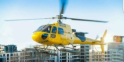 20 Minute Helicopter Sightseeing Tour of London .Helicopter  experience London