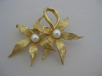 Estate Costume Double Flower Matte Finish Gold Tone Pearl Pin