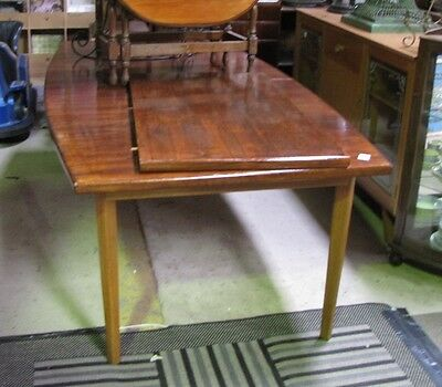 Retro Large Extension Dining Table