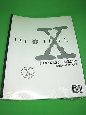 The X-Files Authorized Original Shooting Script for DARKNESS FALLS Episode #1x19