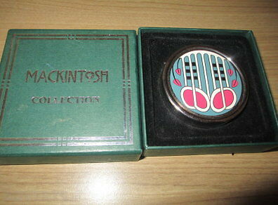 New in Box Mackintosh Collection Musical Note Paperweight