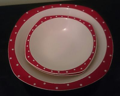Midwinter Red Domino Large Bowl + 2 Smaller  Bowls by Jessie Tait Good Condition
