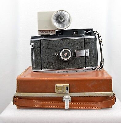 POLAROID 110A PATHFINDER Rodenstock f/4.7 INSTANT FILM CAMERA MINTY W/case