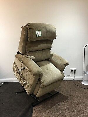 riser recliner FREE DELIVERY AND FITTING