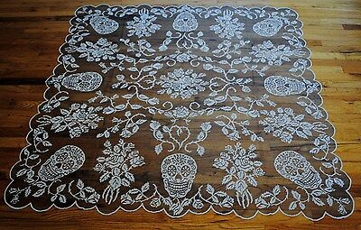 Heritage Lace Black/silver Sugar Skulls And Roses 58X58 Tablecloth/topper #a171
