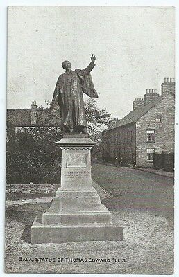Vintage Postcard. Bala, Statue of Thomas Edward Ellis. Used 1919. Ref:6-396