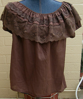 Standard brown poly cotton round neck raglan sleeve square dance blouse - L