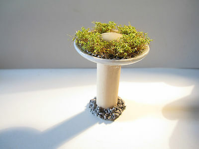 Dolls House Miniature Water Feature Hh