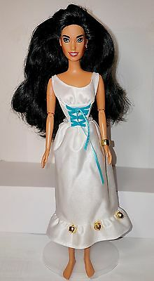 Disney's Hunchback of Notre Dame Esmeralda Doll Jointed RARE