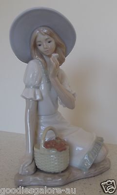 Meadow Song #1365 NAO by LLadro Figurine Girl in Hat Sitting