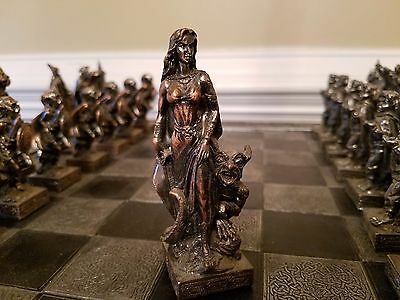 L@@k! Tolkien Lord Of The Rings Lotr Collector Vintage Chess Set