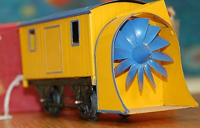 Hornby Series O Gauge Snow Plough In Yellow Livery With Original Box