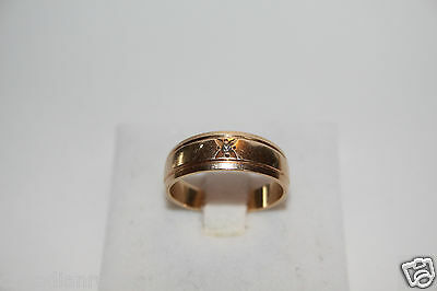 Men's 10k Gold Solitaire Wedding Band Ring Round Diamond TCW 0.03 Size 8 4.1g